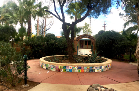 courtyard at Cottonwood Tucson - mental health and addiction treatment center in Arizona